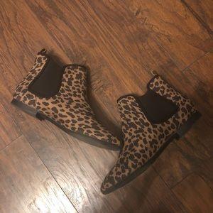 Old navy leopard booties